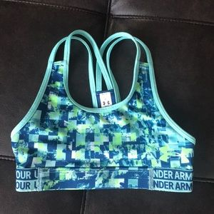 Girls Under Armour sports bra, size small